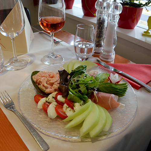 Salade estivale : Suggestion d'été au Restaurant Kalaya à Yverdon